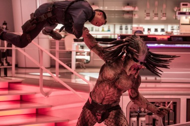 DF-14814_R2 - A deadly Predator escapes from a secret government compound in Twentieth Century Fox's THE PREDATOR. Photo Credit: Kimberley French.