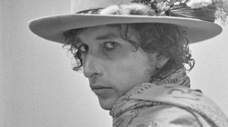 Bob Dylan's Rolling Thunder Revue featured anad-hoc accidental masterpiece of a band, which played rousing, irreverent versions of songs from his catalog